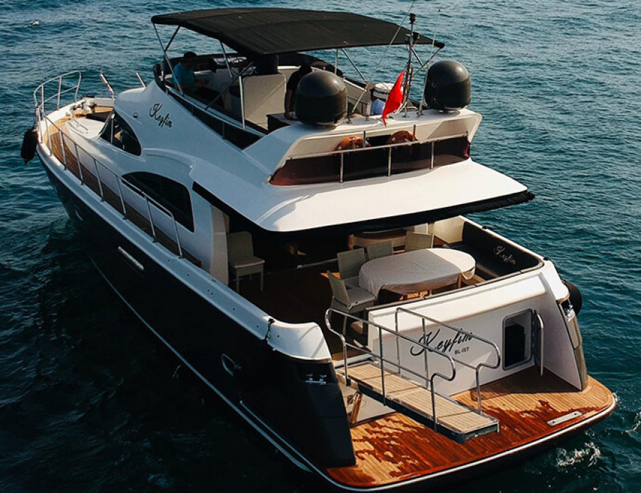 thumbPrivate Yacht (For Rent)
